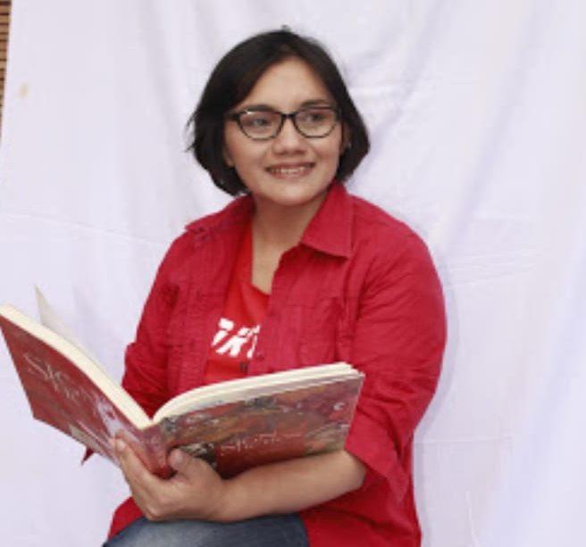 Berkah Jadi Pegiat Literasi, Diana A.V Dilantik Jadi Anggota DPRD Jatim